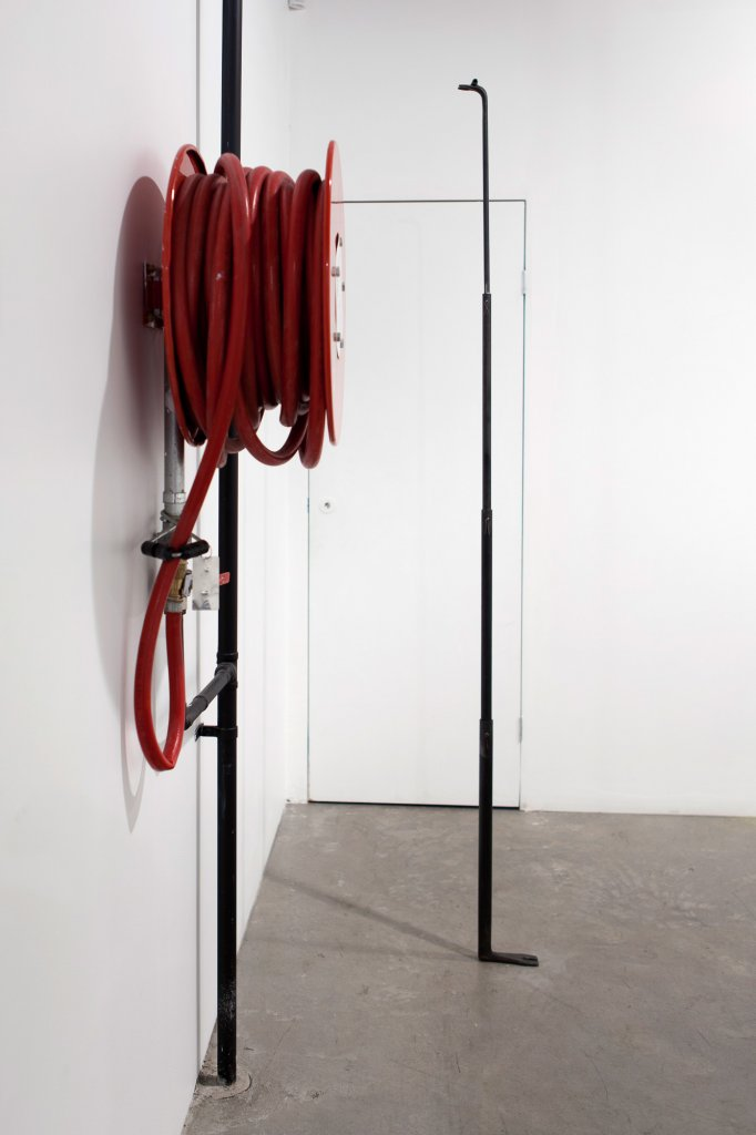 Susan Jacobs, <em> More leverage </em> ,   2013,   steel, 214 x 4 x 20 cm <!--EndFragment-->
